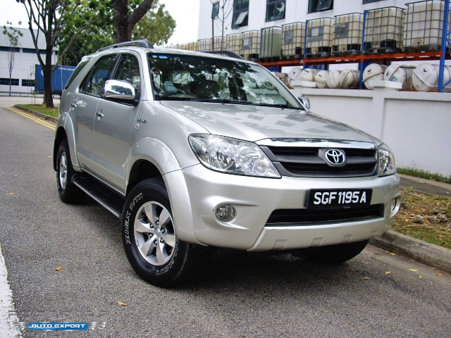 toyota fortuner 2 7a 2006 4x4 silver 2005 for export. Black Bedroom Furniture Sets. Home Design Ideas